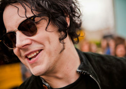 Jack White to perform live on Radio 1 next week