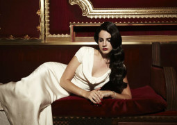 Lana Del Rey planned to work with Lou Reed on new album