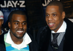 Kanye West subtly snubs Jay Z by not name-dropping him live