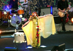 Florence and the Machine confirmed as new Glastonbury headliners