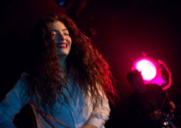 """Lorde is """"making tunes"""" with Disclosure"""