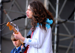 Kurt Vile is back, pimpin' and goin' down – WATCH