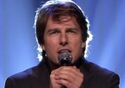 Tom Cruise lip-syncs to The Weeknd's 'Can't Feel My Face'