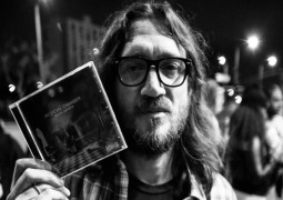 John Frusciante Offers Music For Free!