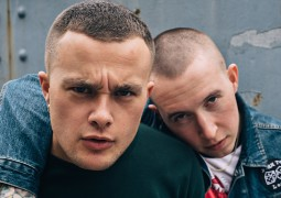 Slaves Injury Leaves Current Tour In Doubt!
